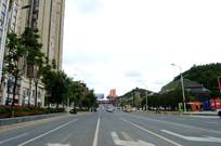 清镇市宽阔的马路