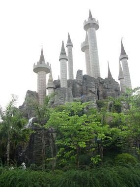 仿迪士尼城堡建筑