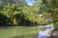 青山湖泊风景