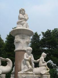 各种造型的的小天使喷泉