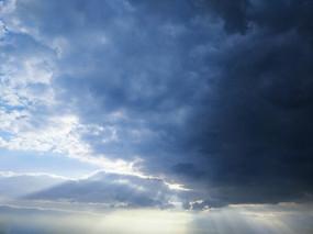 天空耶稣光