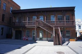 道外中华巴洛克建筑的楼梯