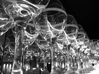 高脚玻璃杯