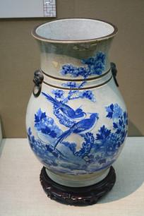 青花花鸟花瓶
