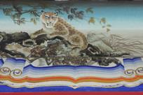 彩色房梁画爬树豹子