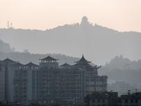 远眺西湖丽日广场与高榜山