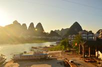 高山河流日落风景