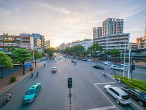 黄昏下的惠州交通
