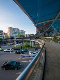 惠州东平人行天桥下的交通