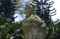 荔枝女子雕塑特写