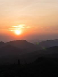 山上的夕阳美景