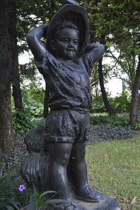 戴着帽子的矿工儿子青铜雕塑