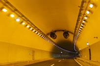 公路隧道灯光