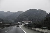 黑白高速路隧道