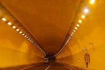空旷的隧道