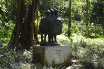 三个唱歌的儿童青铜雕塑