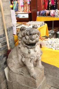 古玩市场的石狮