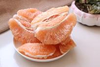 剥好的黄心柚子