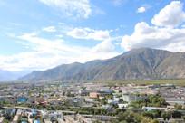 西藏拉萨远山建筑