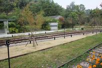 白塔公园铁轨远景
