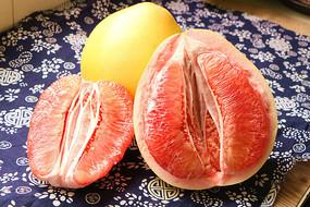 红心柚子特写