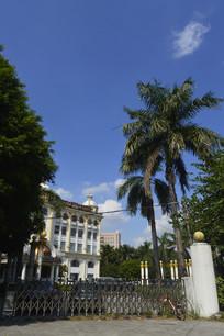 广州大伯爵酒店大楼入口