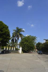广州大伯爵酒店门口周围环境