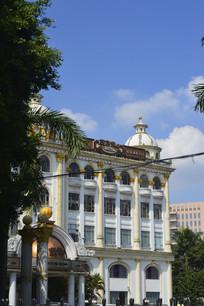 装修豪华的广州大伯爵酒店