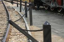 白塔公园铁轨与护栏