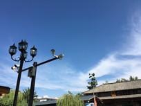老建筑的蓝天白云