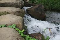 茅家埠石头桥与瀑布