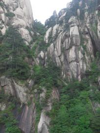 黄山的悬崖峭壁