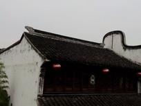 老房子的屋顶