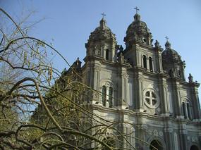 冬天的王府井教堂