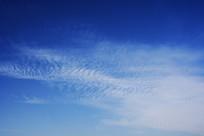 蓝色天空云