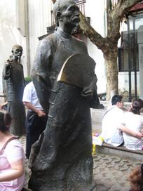 秦淮河畔的古人雕像