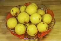 一果盘白梨