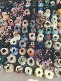 云南丽江古城的陶瓷罐罐