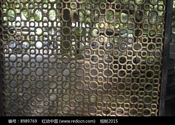 铁艺镂空雕花窗图片