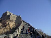 仰视长城碉堡