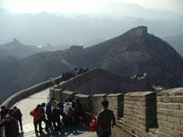 游客在长城旅游