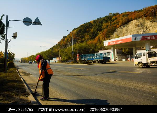 公路环卫工人图片