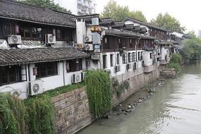 杭州小河直街小河与岸边房屋