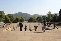 湘湖城山广场