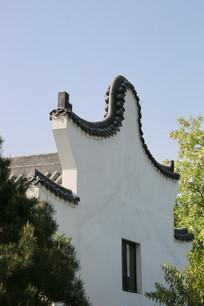 传统徽派圆弧白墙