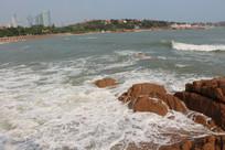 海浪大海岸边岩石青岛海南海岸