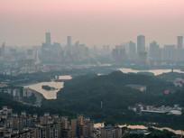 朝霞下的惠州城市