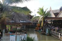 热带风情的水上市场