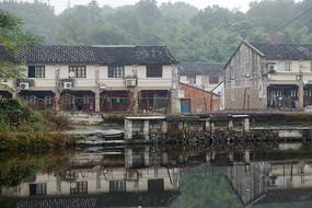 水边的村落