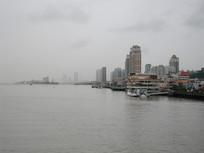鸭绿江边的丹东风光